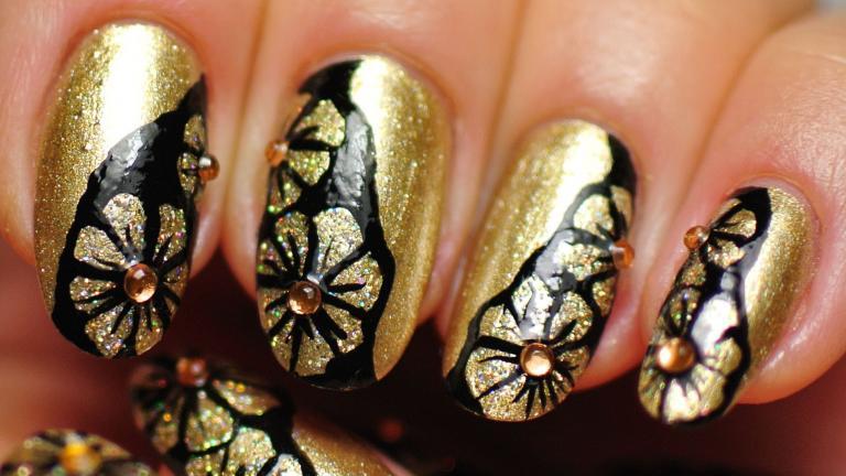 گلهای سیاه و طلایی